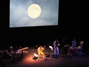 「夜半の月」