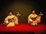 「筆の跡」。左は藤井久仁江、右は藤井昭子。