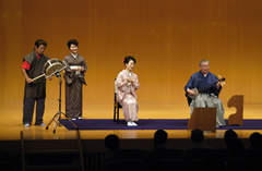 右から武下和平さん、武下かおりさん、冨内純子さん、日高三郎さん