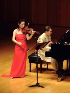 ヴァイオリン:劉薇 ピアノ:椎野伸一