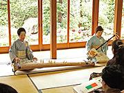 「竹生島」での藤井千代賀師(左)と亀山師(右)